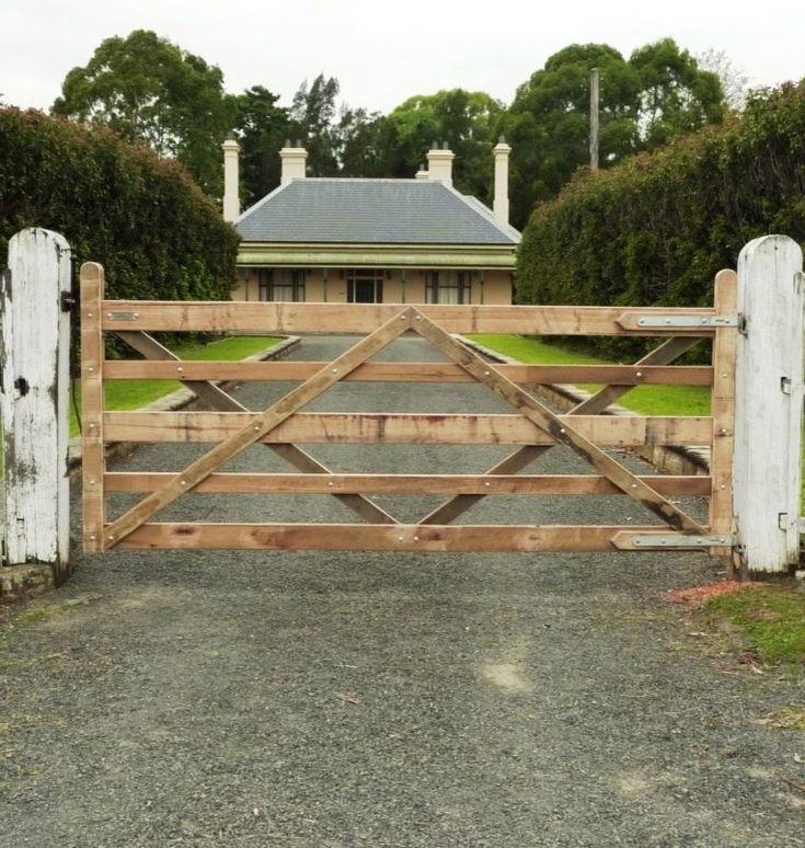 Home Driveway Entrance Ideas: 17 Best Ideas About Driveway Entrance On Pinterest