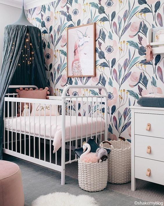 Une Jolie Chambre Pour Un Futur Bebe Rose Bleu Blanc Couleur