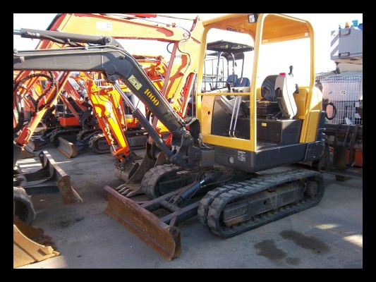 We wish you a very good week ! Hope it has started well for you ! Anyway, as a gift, we hope you will enjoy this picture of this volvo skid steer http://www.machineryzone.eu/used/skid-steer-loader/1/12681/volvo.html