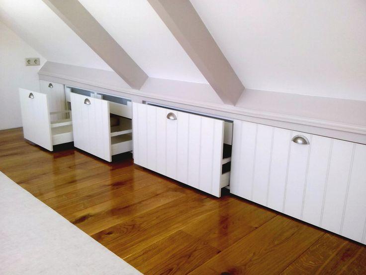 25 beste idee n over knieschotten op pinterest zolderberging slaapkamer op zolder kasten en - Idee kast onder helling ...