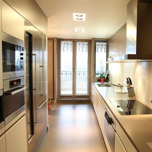 17 meilleures id es propos de cuisine en longueur sur pinterest armoire ouverte de cuisine. Black Bedroom Furniture Sets. Home Design Ideas