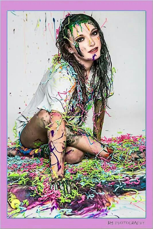 She loves to paint and art. Senior pics are so good!