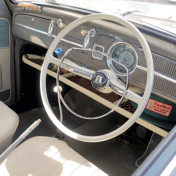 Volkswagen Beetle interior.  #vw #vwbeetle #coccinelle #volksworld #volksworld2017 #cars #biler #carspotting