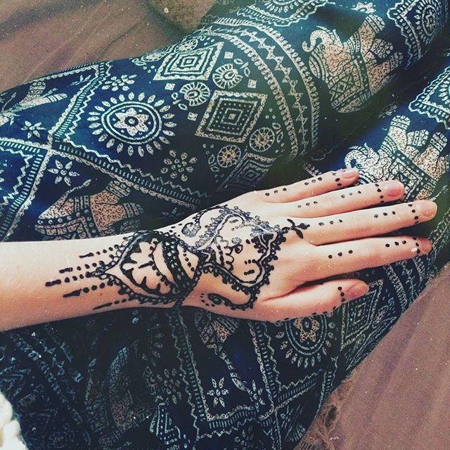25 best henna shop ideas on pinterest elephant henna for Henna tattoo shop