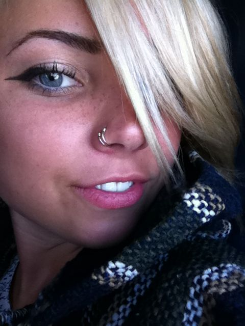 Double Nose Ring ... I love this, and I would honestly consider doing it instead of my septum piercing.