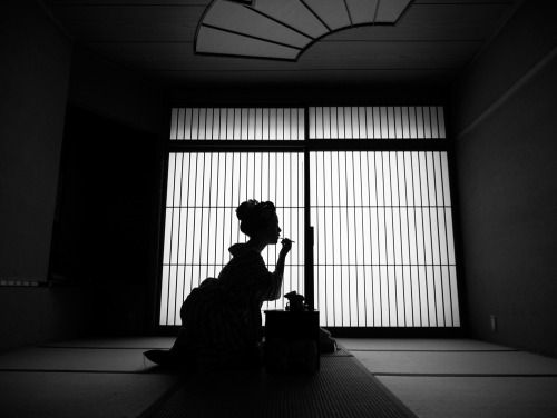 "nim64: "" Maiko in Kyoto by Bernie DeChant """