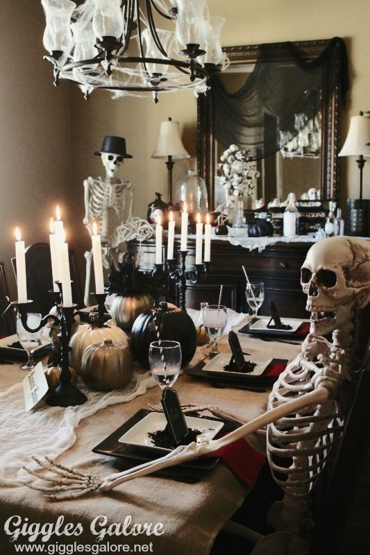 Host a Murder Mystery Dinner Party for Halloween this year, it's a party everyone will be dying to come to!