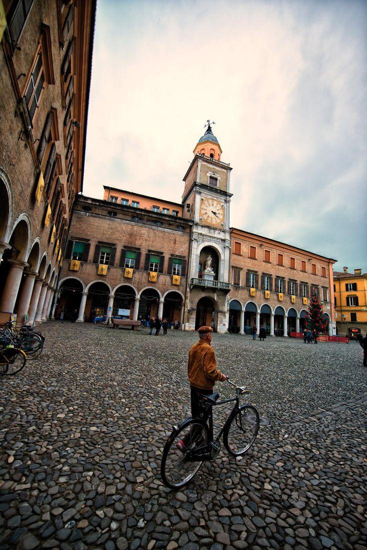 """""""Modena in un giorno e una sera"""" by @fashionfortravel"""