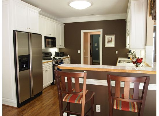 Best What Color Is Your Kitchen Brown Kitchens Kitchen Wall 400 x 300