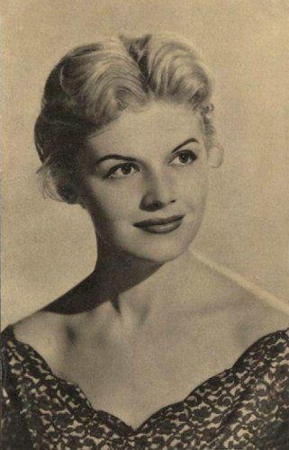 Neve: Krencsey Marianne; Foglalkozás: színésznő, színházrendező; Született: Magyarország, Rákoscsaba, 1931. július 9.; Magasság: ?; Csillagjegy: Rák