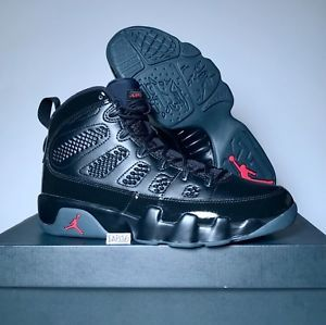 best service f89aa e1870 Nike Air Jordan Retro 9 IX Bred Black and University Red Anthracite 302370- 014   eBay