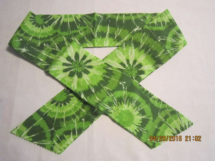 """Extra Wide 3"""" Reusable Non-Toxic Cool Wrap / Neck Cooler  - Starburst - Green by ShawnasSpecialties on Etsy"""