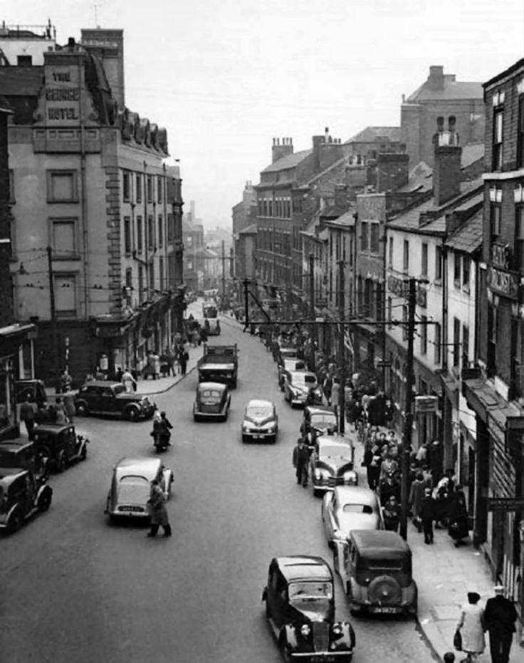 Carlton Street and Goose Gate, Nottingham, 1950, looking east towards Goose Gate, at the junction with George Street on the left.