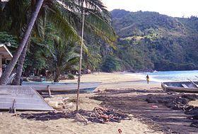 Plage du village de Castara à Tobago