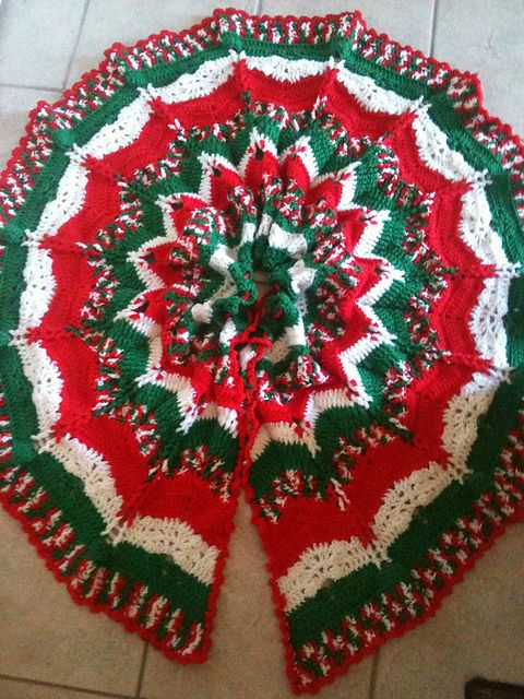 Christmas Tree Skirt Knitting Pattern : Ravelry: Christmas Ripples Tree Skirt pattern by Herrschners Crochet Pint...