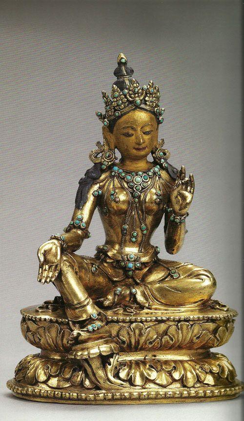 ara Verte, XIX siècle, bronze doré, pigments et incrusattions de turqoises, musée nantionale du Bhoutan à Paro.