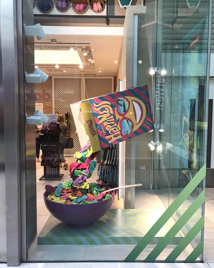 "HAVAIANAS EUROPE, Westfield London, UK, ""A bowl of happiness for breakfast"", creative by StudioXAG, pinned by Ton van der Veer"