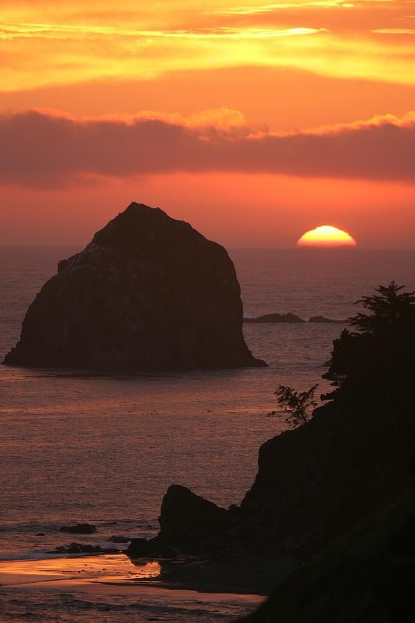 ~~Sunset On The Oregon Coast Near Gold Beach | sea stacks silhouette by Skip Brown~~