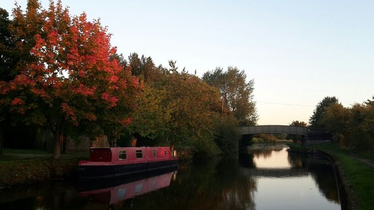 Leeds - Liverpool Canal, Wigan. Evening walk.