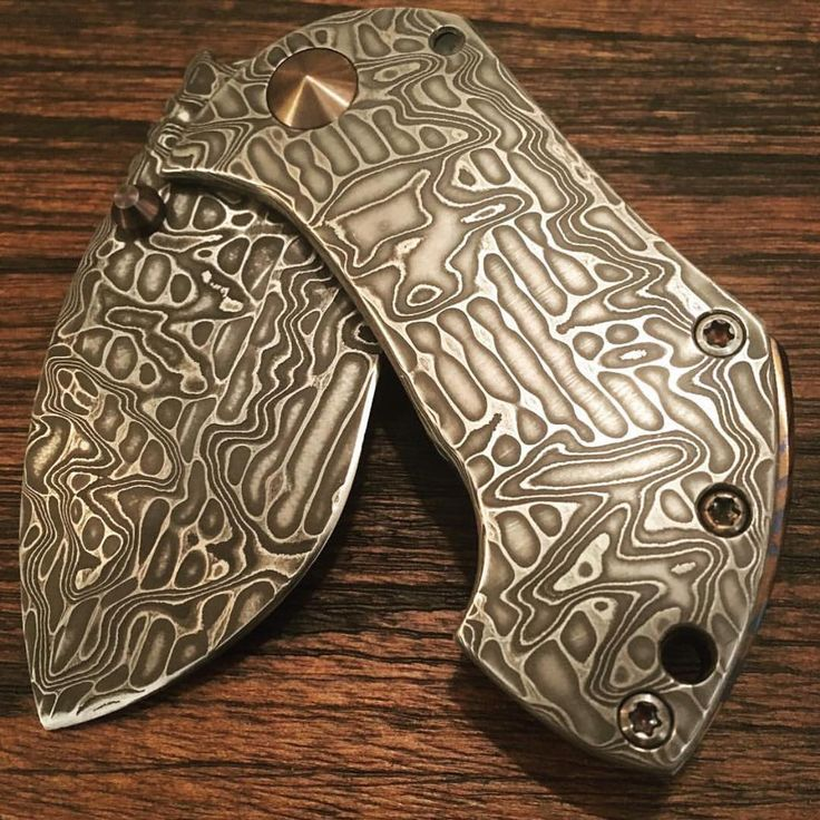 Maker - @blackwoodcustomknives Owner/photo - @zanefsu #grailknives #usnstagram…