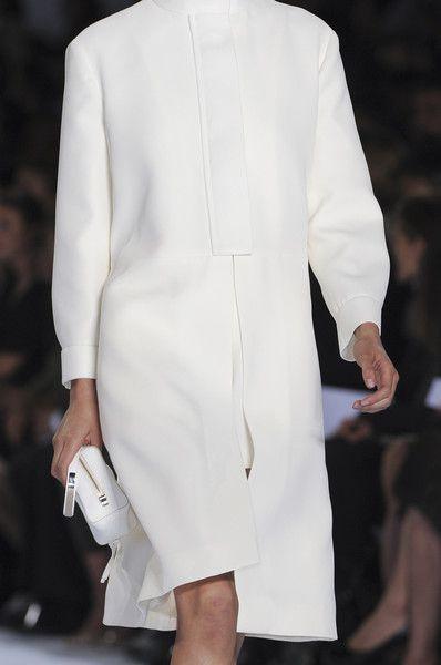 Sleek White Coat - chic minimalist fashion details // Chloe Spring 2011