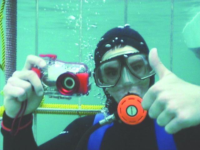 Thumbs up for #Sharkcagediving http://www.sharkcagedive.com/