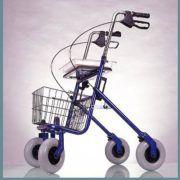 Andador Rollator Plegable con 4 Ruedas #ortopedia #andador #caminador #rollator #anciano #movilidad #adultos #mayores #terceraedad #salud #ortopediaparati