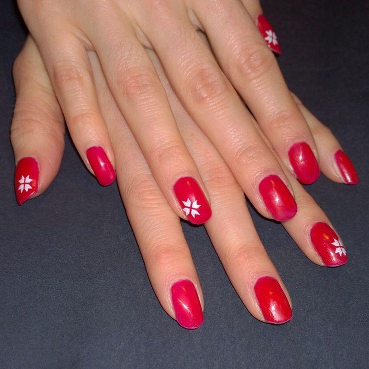 Stamped Christmas nails! #sensationail juicy sangria. Leimatut joulukynnet. <3