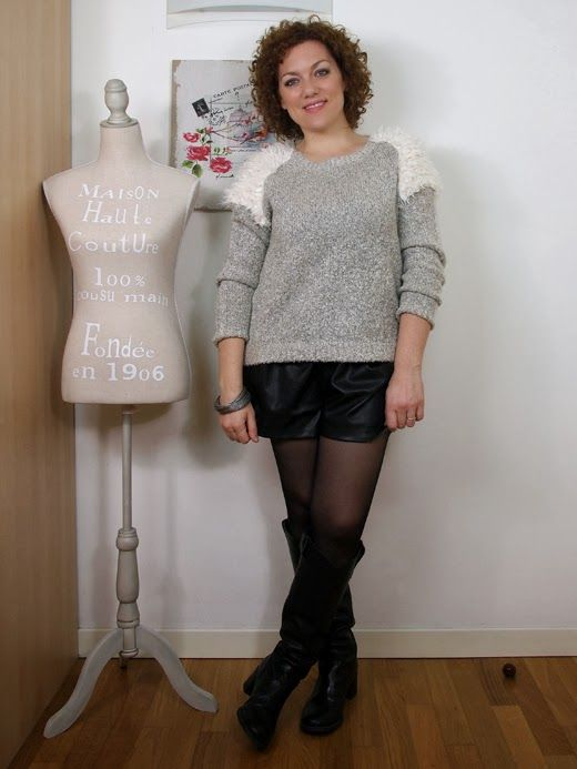 #verdementa - #fashion from my #curvy point of view: #Outfit #shorts in pelle e maglione con inserti di pelliccia ecologica #fashionblogger #curvyblogger #pimkie #zara