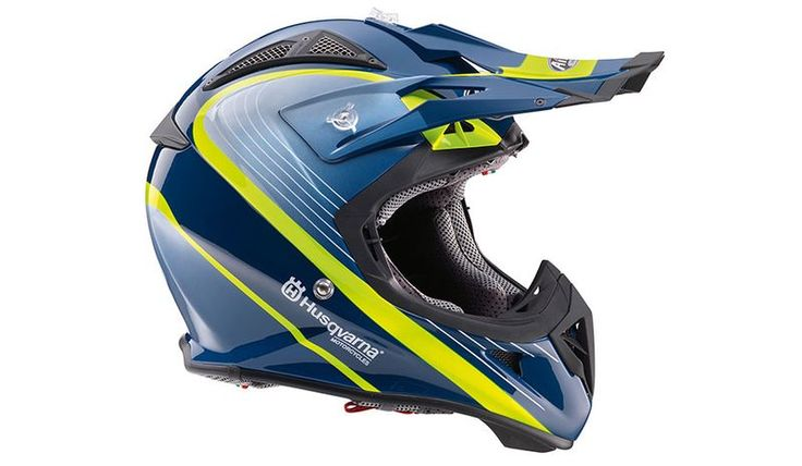 AVIATOR 2.1 RAILED HELMET Made exclusively for Husqvarna Motorcycles by Airoh the Aviator 2.1 Railed Helmet is a race-tested, lightweight, offroad helmet made from a Carbon-Kevlar® mix and features a removable, washable lining and emergency help tabs for rapid cheek pad removal. Offering optimum fit and safety the Aviator 2.1 comes in three shell sizes, which are specifically designed for neck brace integration.  Race-tested offroad helmet Elaborate ventilation system Removable, washable…