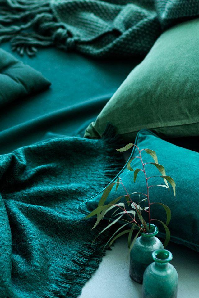 Des coloris verts profonds pour ce linge de maison H&M home.