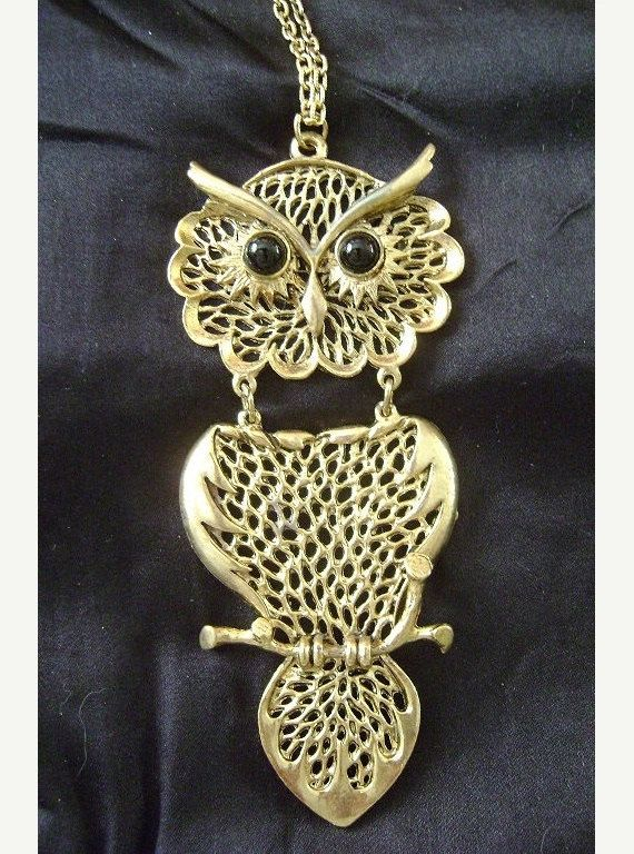 Huge 70s Owl Pendant Necklace Boho 1970s by PopcornVintageByTann #1970s #owljewelry #vintageowl #vintagejewelry #70sglam #hippiechic #hippiejewelry #gypsyjewelry #bohoglam #bohochic #owlpendant #owlnecklace #70sjewelry #70sowl #popcornvintagebytann #halloweenpendant #hugeowlpendant #largeowlnecklace #owlloversgift #bohoglam #gypsychic #gypset #vintageowl #newoldstock #articulatedowl #70sglamrock #70sowljewelry #owlcollectible #owlcollector #owl #halloween #statementpiece #statementjewelry…