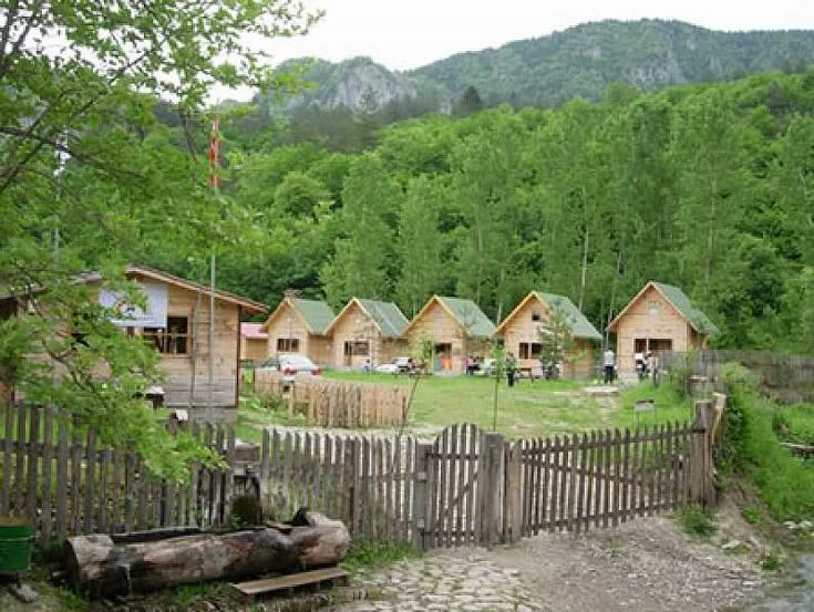 Ülkemizdeki Milli Parklar ,bol görselli,Kastamonu - Bartın Küre Dağları Milli Parkı   Yeri: Batı Karadeniz Bölgesinin Kastamonu ve Bartın İli Sınırlarında 37.000 Hektarlık bir alanı kapsamaktadır.