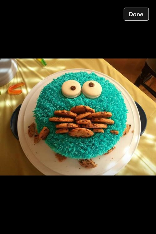 What a cool cake idea:)