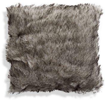 Glucksteinhome Aspen Charm AFaux Fur Cable Knit Cushion