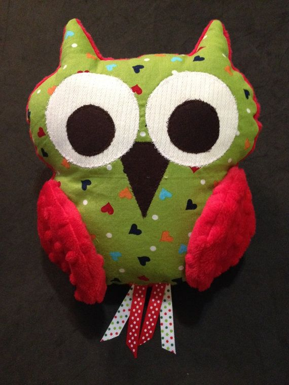Scrinchable Owl: Green Hearts and Red