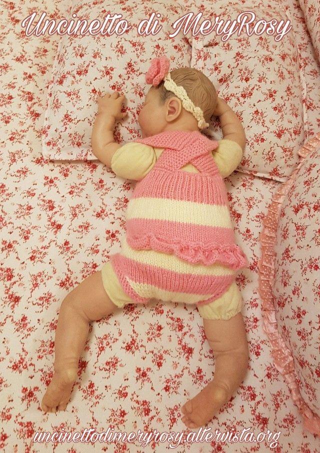 Body lavorato a maglia, con fascia lavorata all'uncinetto per bambola reborn. Volendo anche adatto ad un baby  Knitted body, with knitted crocheted reborn doll. Wanting also suitable for a baby  #vestitino #vestito #body #fasciacapelli  #uncinetto #crocheted #crochet #handmade #fattoamano #diy #bebè #bebe #bimba #baby #reborn #doll #dolls #knitting #knitted