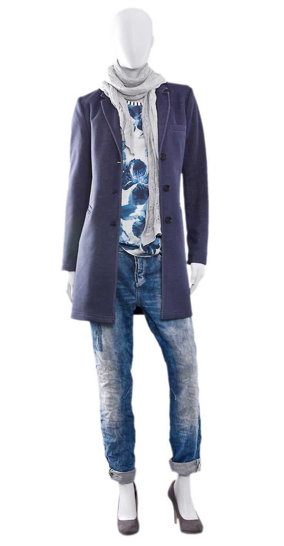 BLUE MOMENT  Bluse, Schal & Indoormantel z.B. OPUS  Boyfriendjeans z.B. MAC