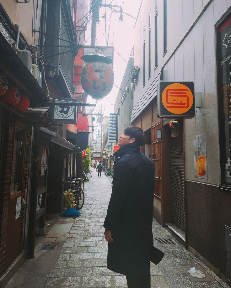 *wishes to be in that alley with him *  { #Saebom #Maxxam #Kpop } ©Instagram @saebomoh