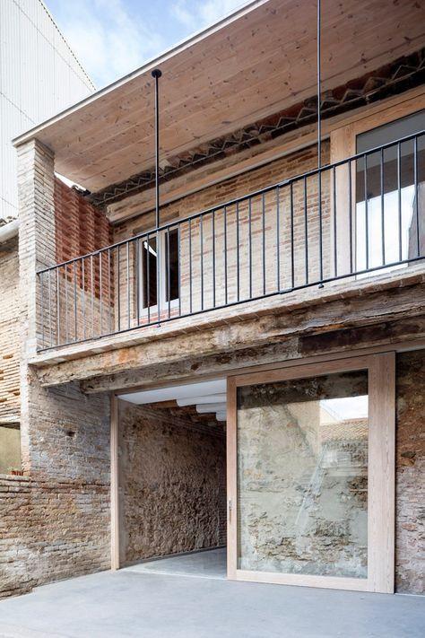 Réhabilitation d\u0027un bâtiment délabré en Espagne par DATAAE in 2018 - renovation electricite maison ancienne