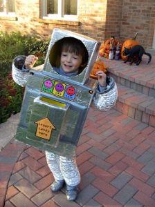 Retro Robot Costume | FaveCrafts.com
