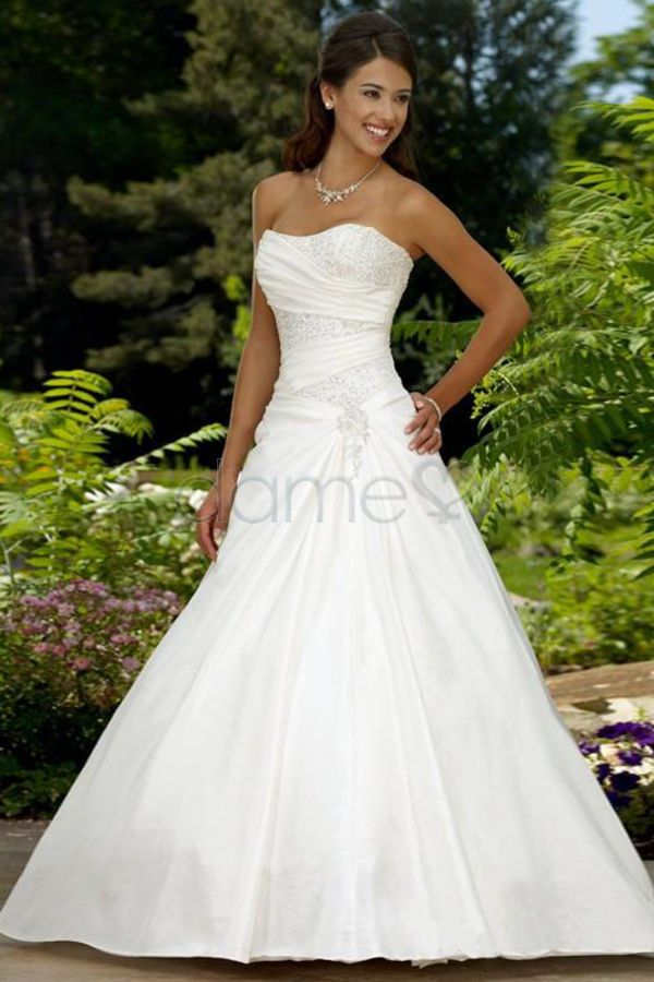 Applikation Schnürrücken Ballkleid Satin trägerloses bodenlanges plissiertes Brautkleid