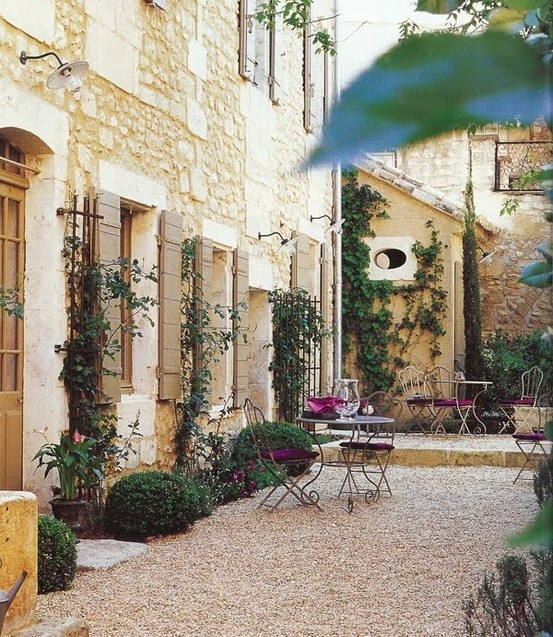 35 best french gardens images on pinterest french for French style courtyard ideas