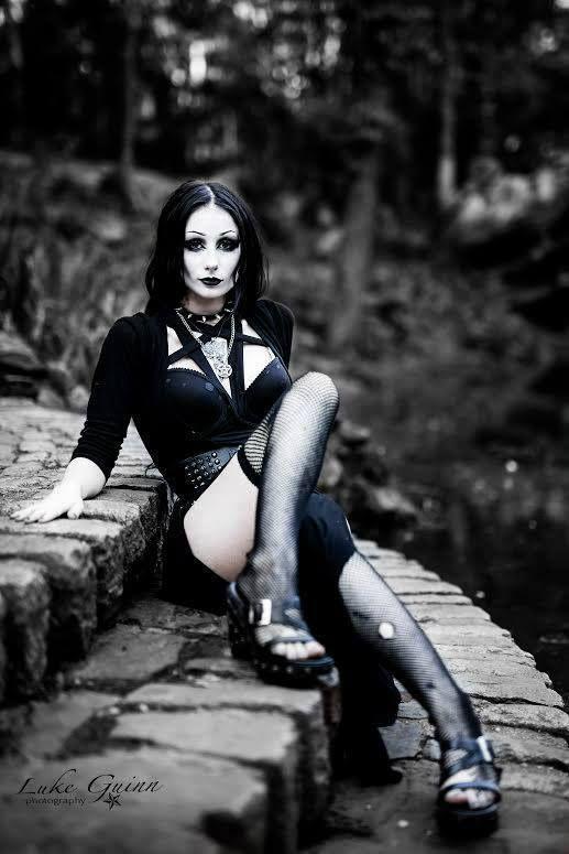 Model: Theblackmetalbarbie Photographer: Luke Guinn Photography Welcome to Gothic and Amazing | www.gothicandamazing.com