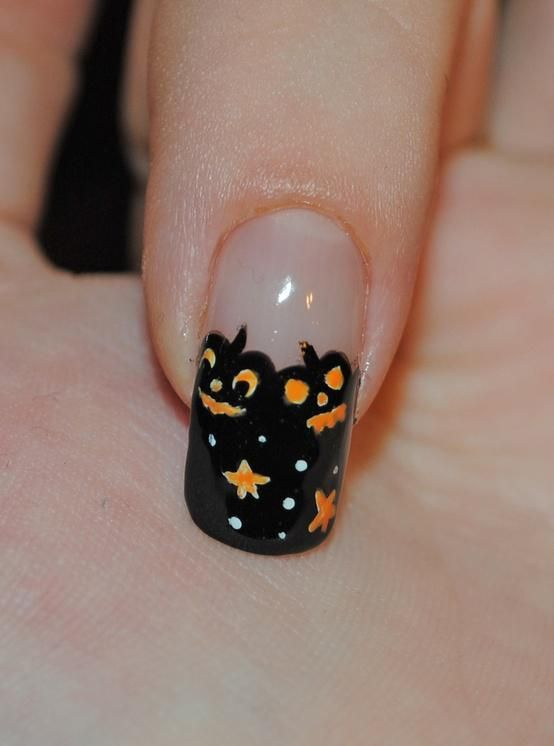 Pin by Nikki Garza on nails | Halloween nail designs, Cute ...
