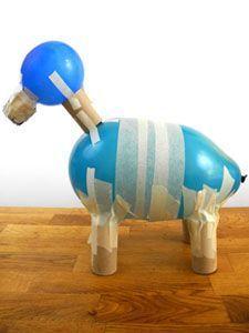 Grundgerüst für ein Tier aus Pappmaché