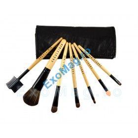 Set 7 pensule machiaj - http://exomag.ro/pensule-machiaj-profesionale-makeup/trusa-7-pensule-machiaj-fraulein38-natural-wood.html