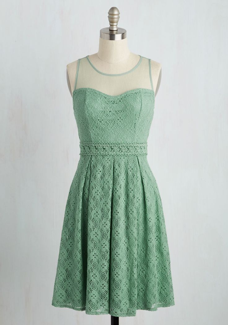 Chantilly Sweetheart Dress in Sage