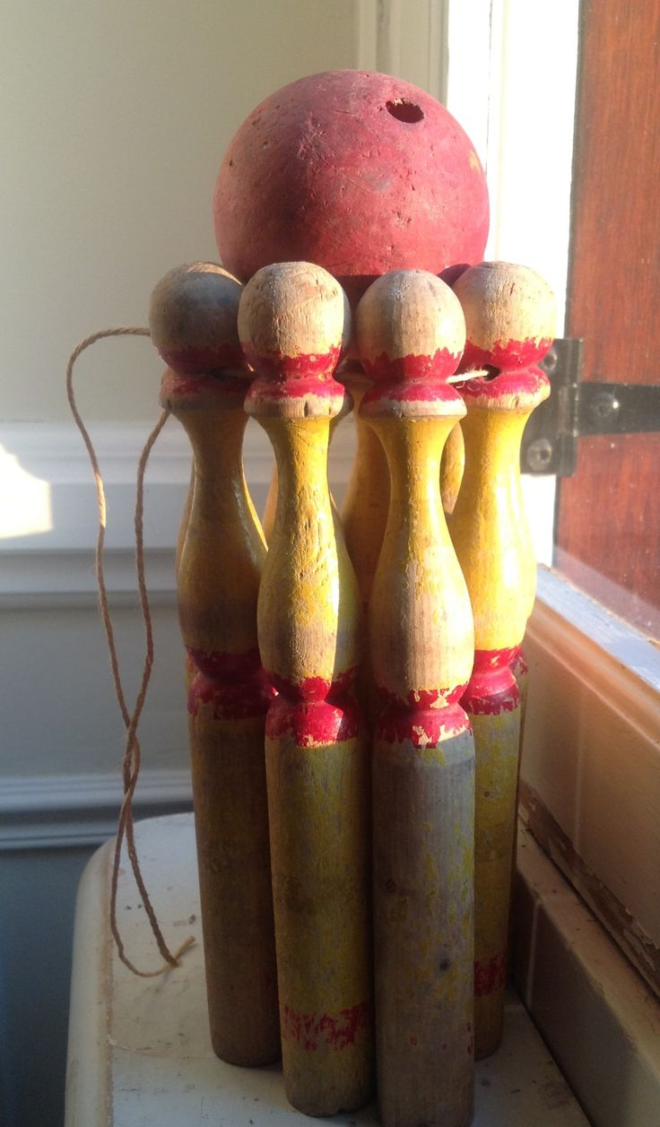 Love at first sight for with this set of 40's French vintage skittles...for children of all ages!!