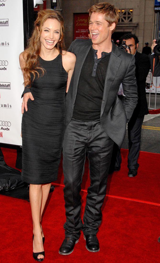 Brad Pitt And Angelina Jolie S Most Memorable Red Carpet Moments Usa Pinterest World Brad Pitt And Angelina Jolie Angelina Jolie Brad Pitt